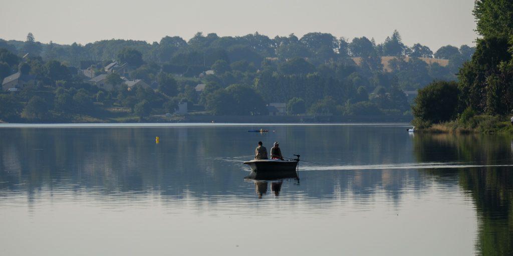Pêche sur le lac de Villefranche de Panat